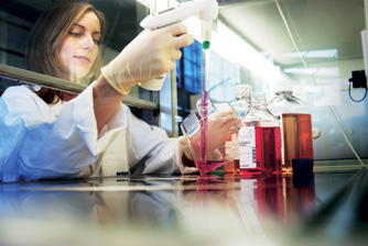 Al Jalila Foundation inviteslocal scientists to apply for 2015 medical research programs
