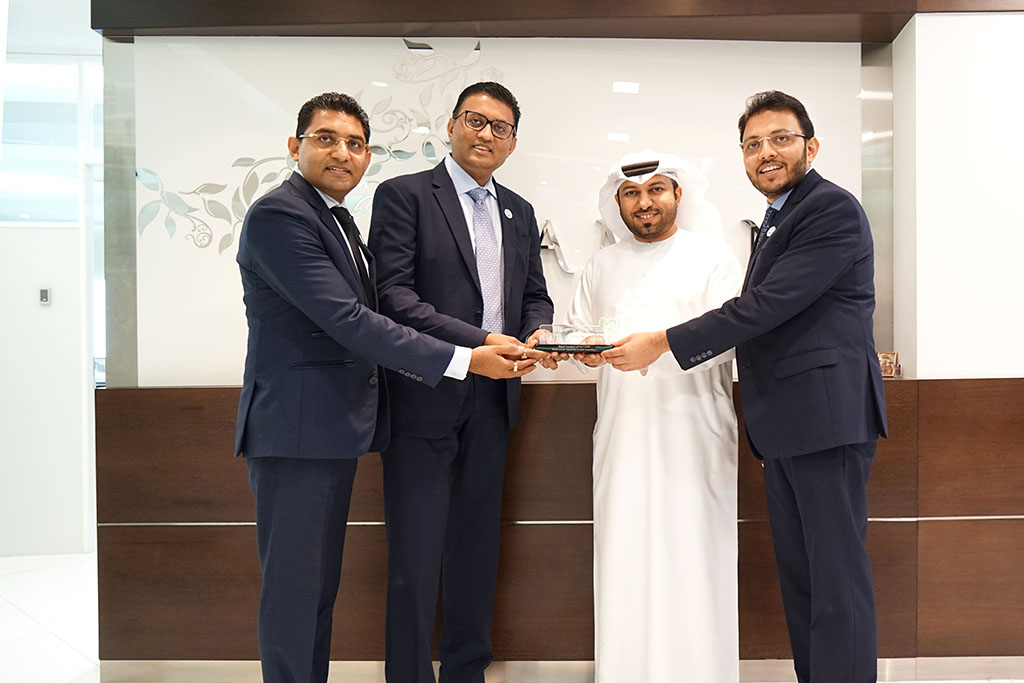 Al Jalila Foundation receives AED 100,000 donation from Dhamani DPINK diamond sales to support breast cancer research in the UAE